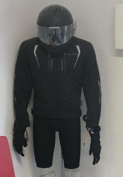 Exemple d'équipement à la moto école de Pole 30 à Nîmes.